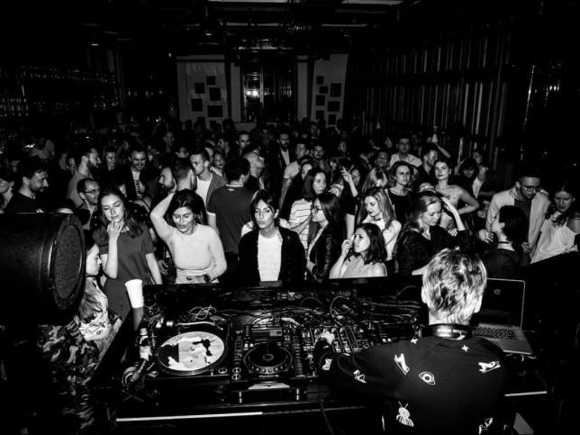 Клуб хаус ночной петербург ночной клуб москва шоссе энтузиастов